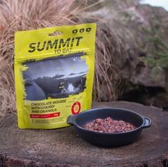 Čokoládová pěna s Granolou a třešněmi SUMMIT TO EAT